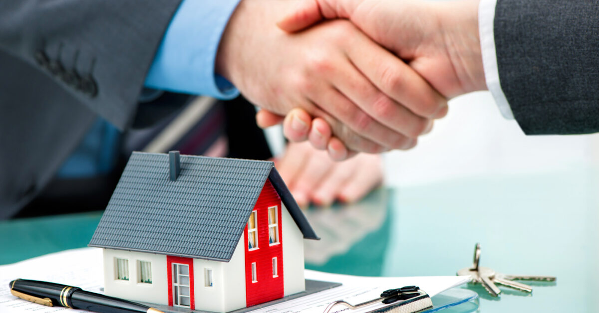 Top 4 Factors to Consider When Choosing Property Management Firms