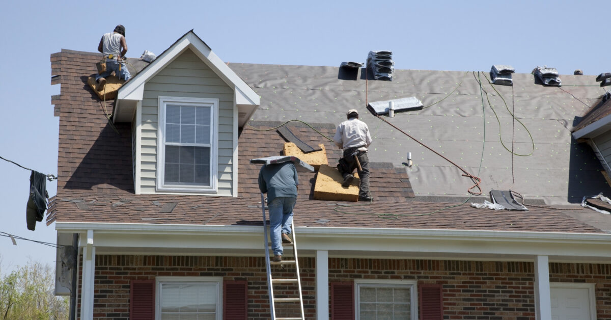 Did you know that commercial and residential roofing services aren't one and the same? Here are the differences between the two.