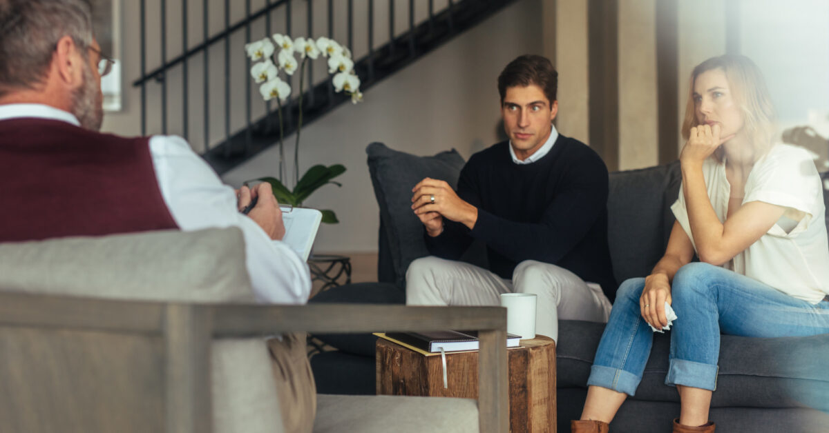 Did you know that not couples therapists are created equal these days? Here's the brief guide that makes choosing the best marriage counselor simple.